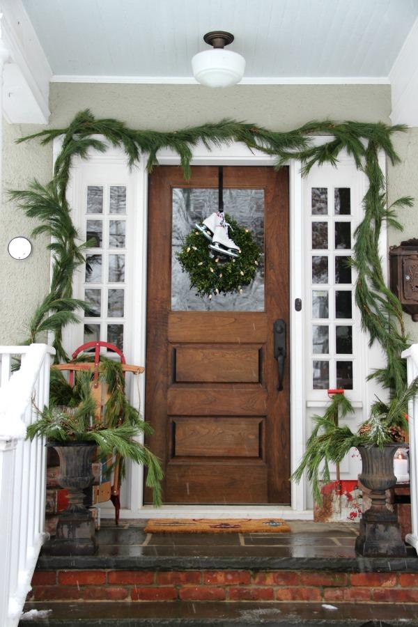 christmas-porch-kelly-elko
