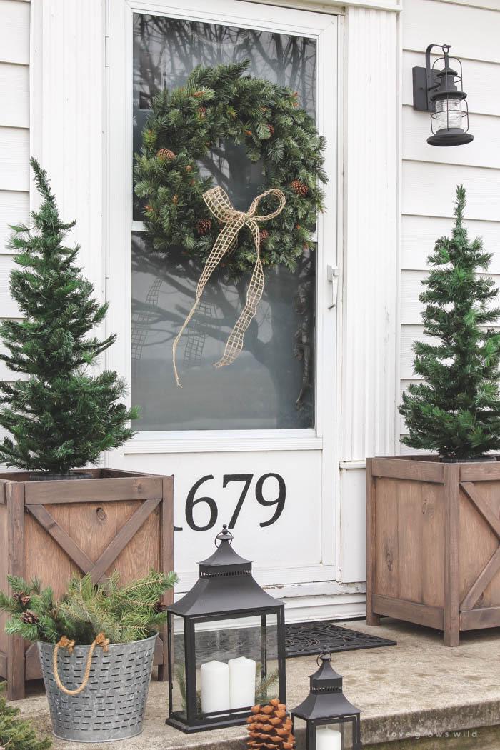 christmas-porch-love-grows-wild