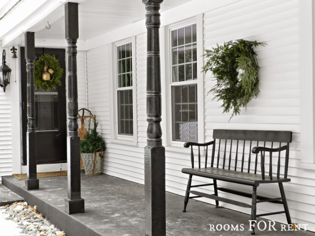 christmas-porch-rooms-for-rent