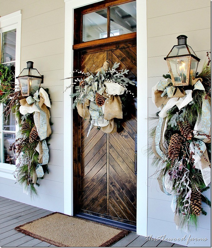 christmas-porch-southern-living