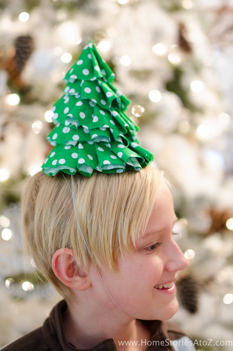 fabric-christmas-craft-idea-diy-christmas-tree-party-hats