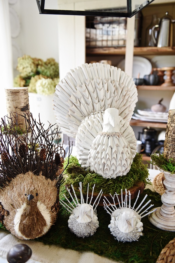 fun-centerpiece-thanksgiving-table-liz-marie-blog