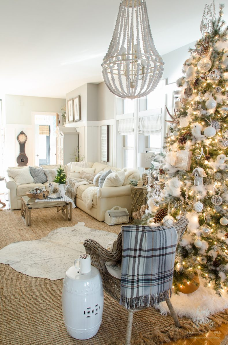 how to decorate a christmas tree rustic glam
