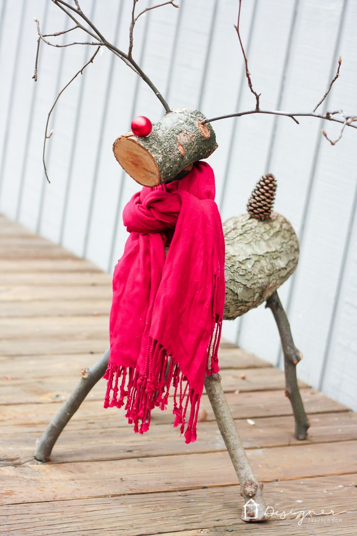 diy-reindeer-from-logs-2