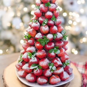 christmas-desserts-chocolate-covered-strawberry-christmas-tree-13