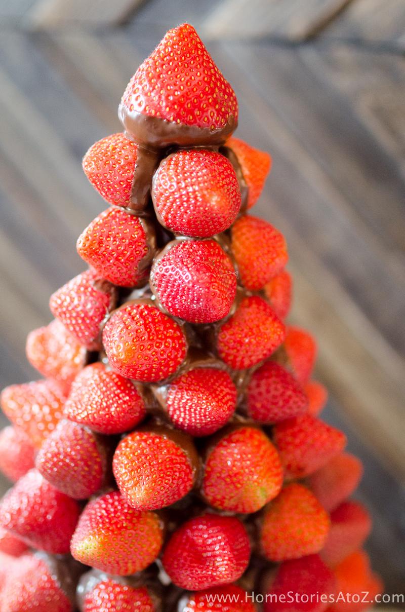 christmas-desserts-chocolate-covered-strawberry-christmas-tree-7