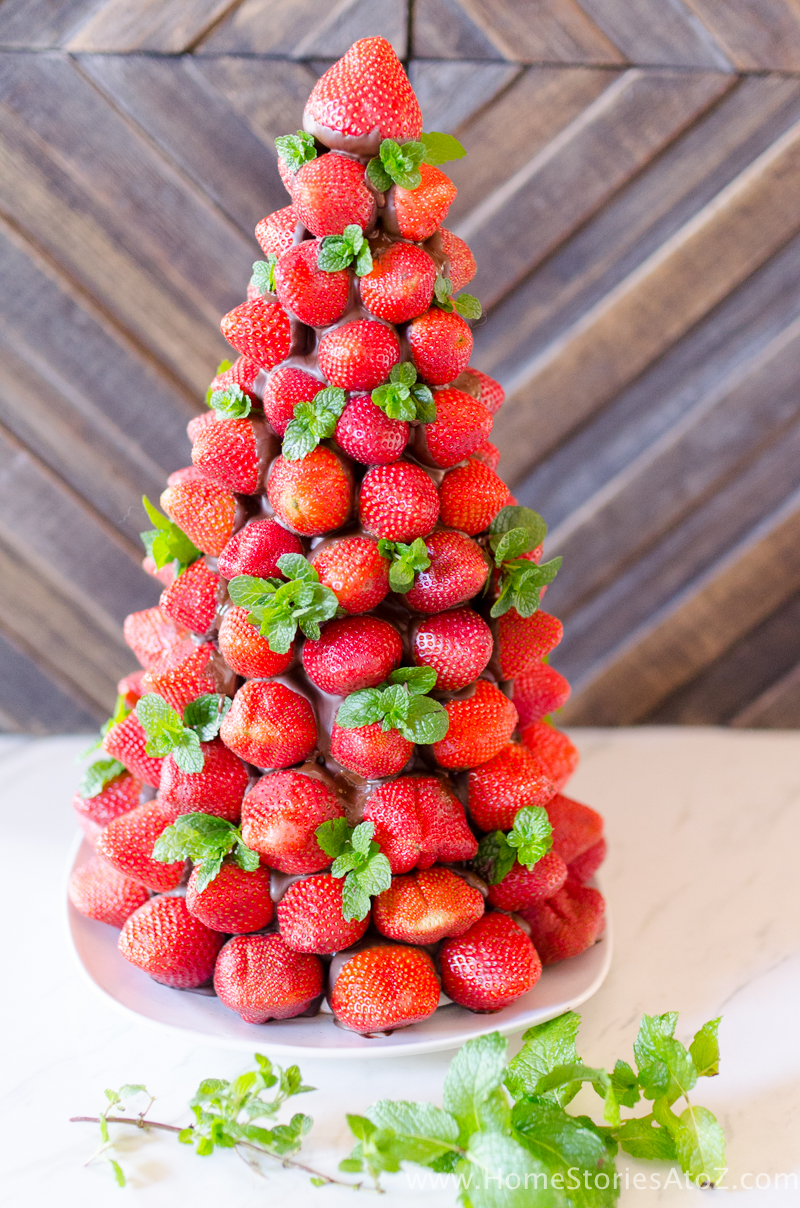 christmas-desserts-chocolate-covered-strawberry-christmas-tree-8