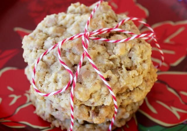 cinnamon-toffee-oatmeal-cookies
