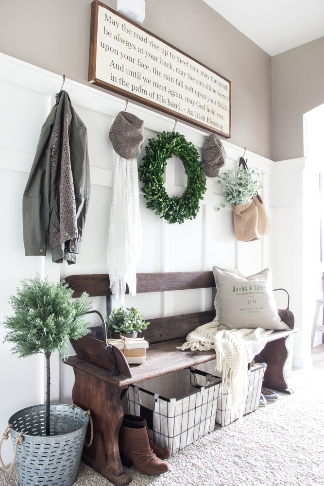 25+ Real-life Mudroom and Entryway Decorating Ideas by Bloggers