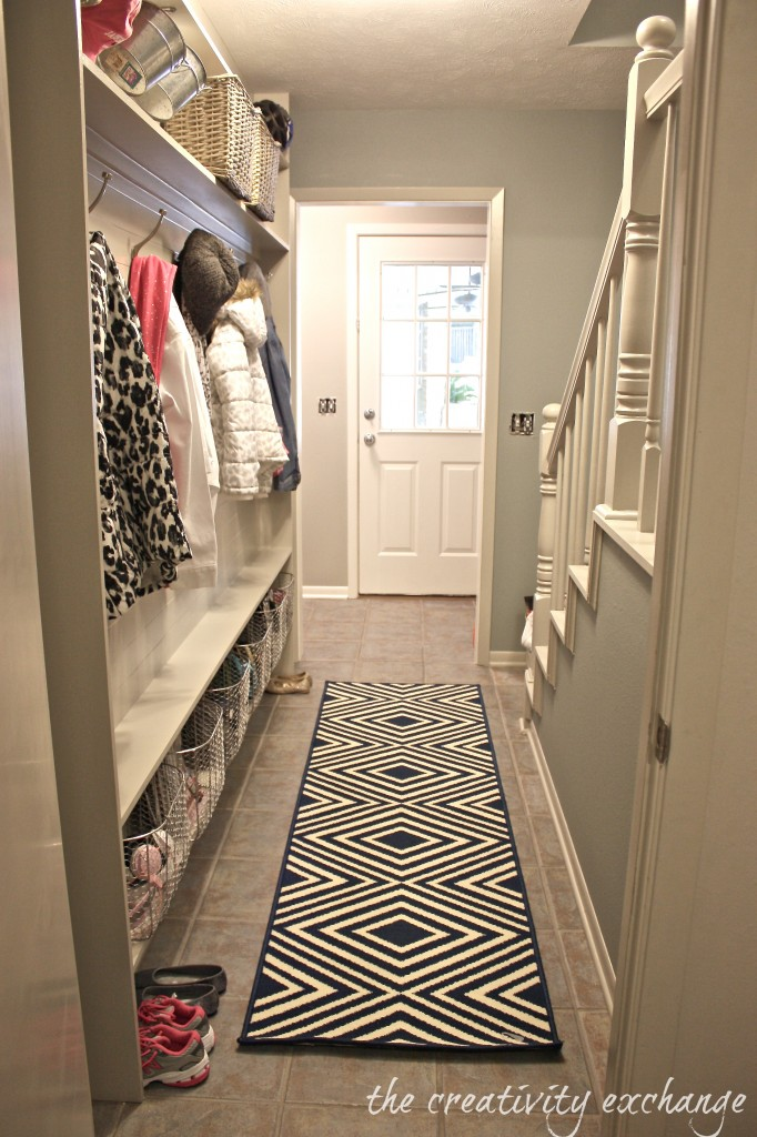 Tutorial-for-framing-a-narrow-hallway-built-in-mudroom-The-Creativity-Exchange-682x1024