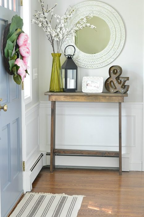 25 real life mudroom and entryway decorating ideas by Small entryway table