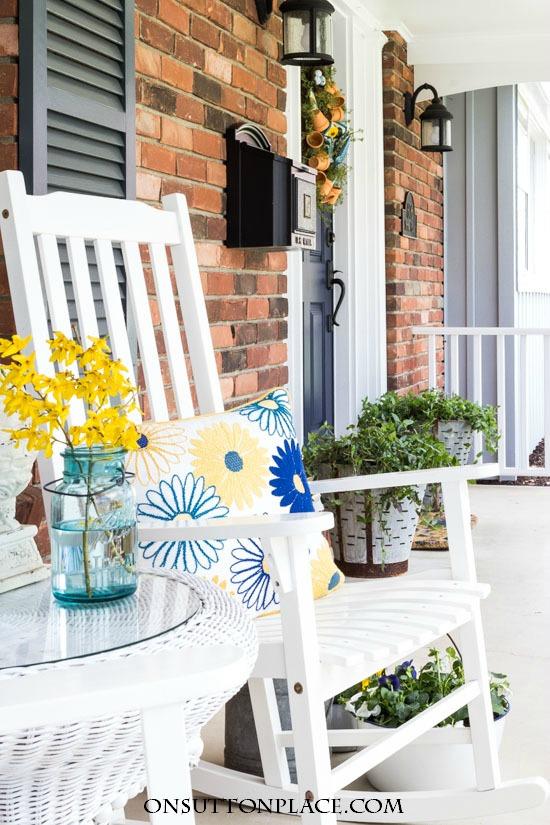Spring Porch Decorating Ideas.20 Beautiful Spring Porch And Patio Ideas