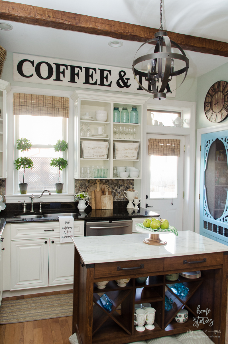 11 DIY Farmhouse Kitchen Ideas For Your Fixer Upper Home