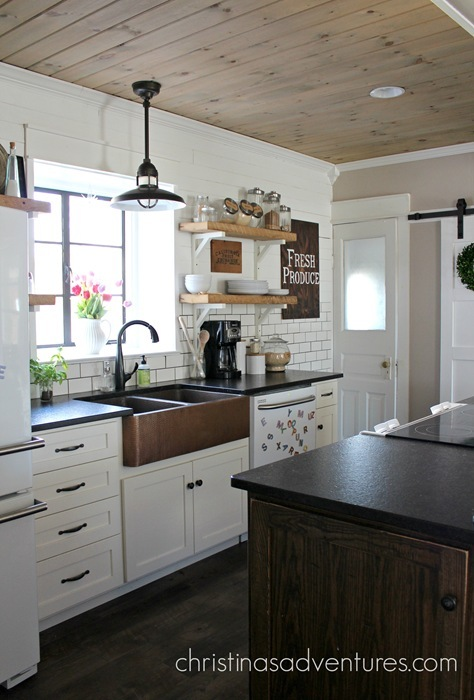 Farm House Kitchens: 11 Beautiful Farmhouse Kitchens