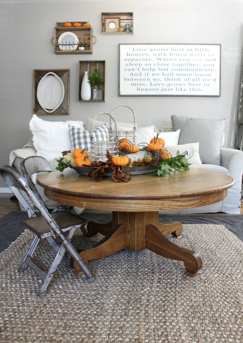 Fall dining room table decorating ideas - Fall Living Room Centerpiece By An Inspired Nest