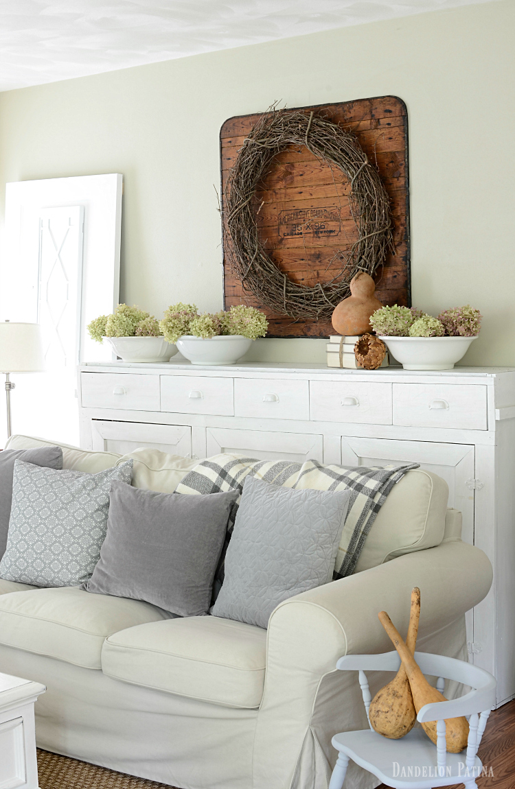 CLASSIC FARMHOUSE FALL DECOR BY DANDELION PATINA