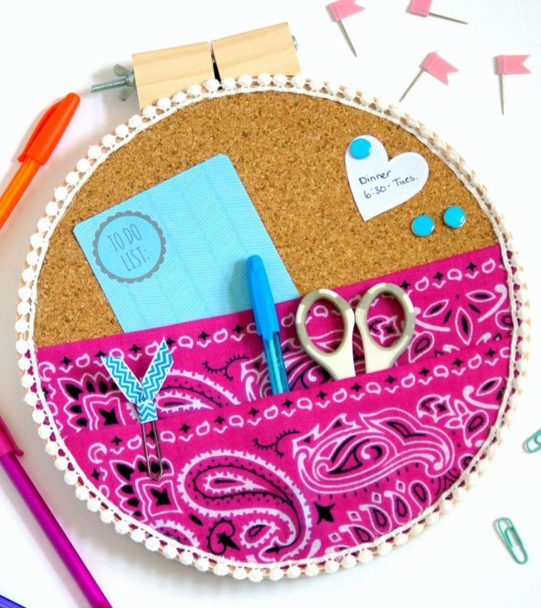 Embroidery hoop organizer