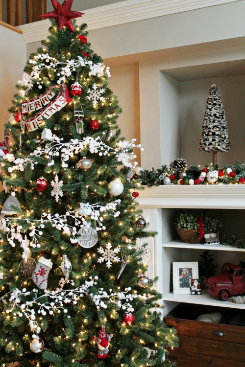 CLASSIC CHRISTMAS TREE BY CLEAN AND SCENTSIBLE
