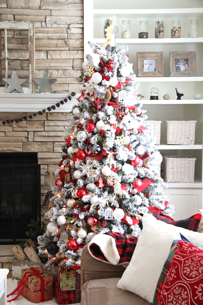 RED AND WHITE CHRISTMAS TREE BY A PRETTY LIFE IN THE SUBURBS