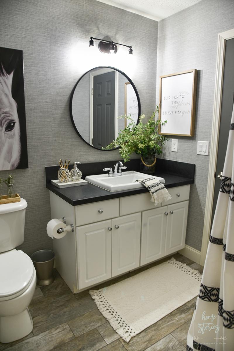 20 Tips for Creating a Budget Friendly Boho Farmhouse Bathroom Makeover