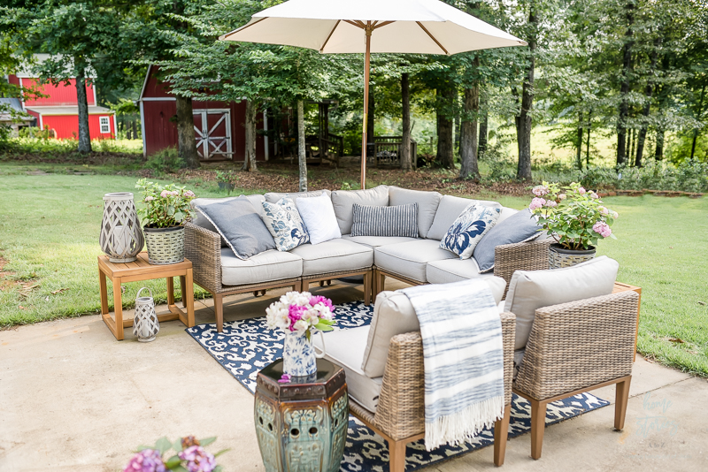Outdoor Rugs Are One Of My Favorite Decor Inventions Ever They Clean Up Easily Look Beautiful And Complete A E I Just Mine Off With