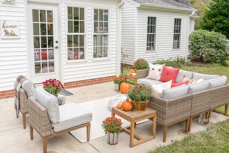 I Approach Decorating Our Outdoor Seating Area The Same Way I Approach Our  Indoor Family Room. I Want Guests To Feel At Home, Comfortable, And Cozy!