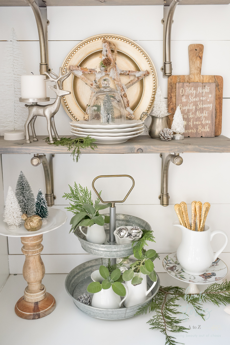 Farmhouse Christmas: Tips on How to Affordably Decorate ...