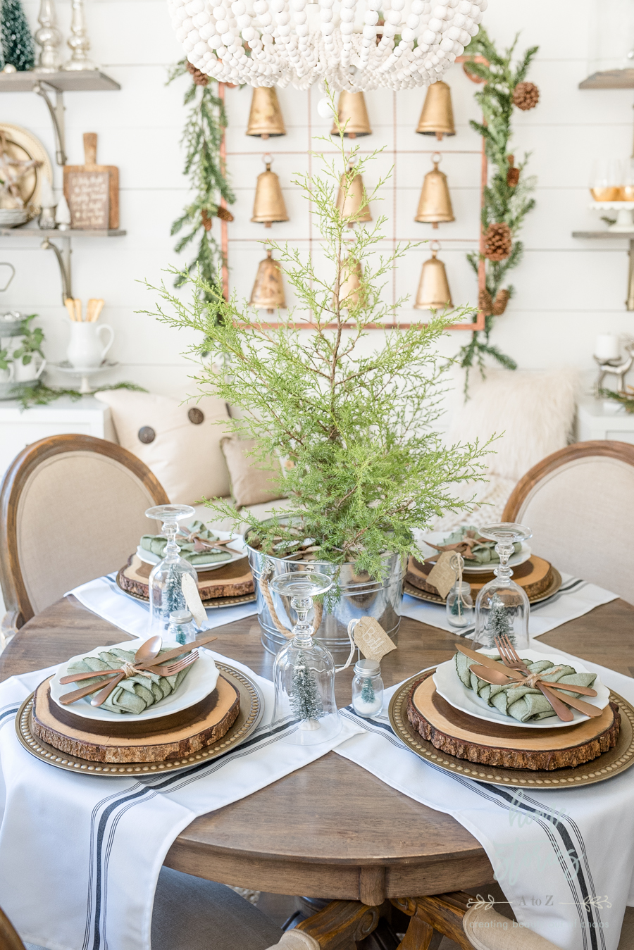 Simple farmhouse christmas table tips on creating an - Simple christmas table settings ...
