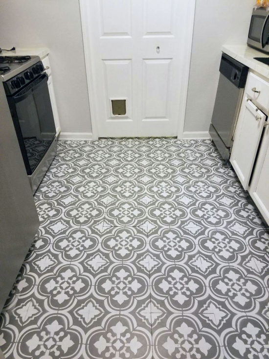 Stenciled Kitchen Linoleum Floors By The Honeycomb Home
