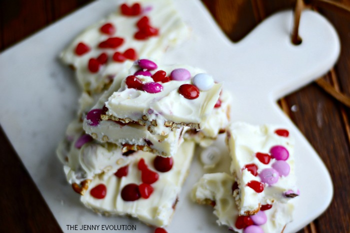 Valentine Treat Recipes - Valentine Bark by Mommy Evolution