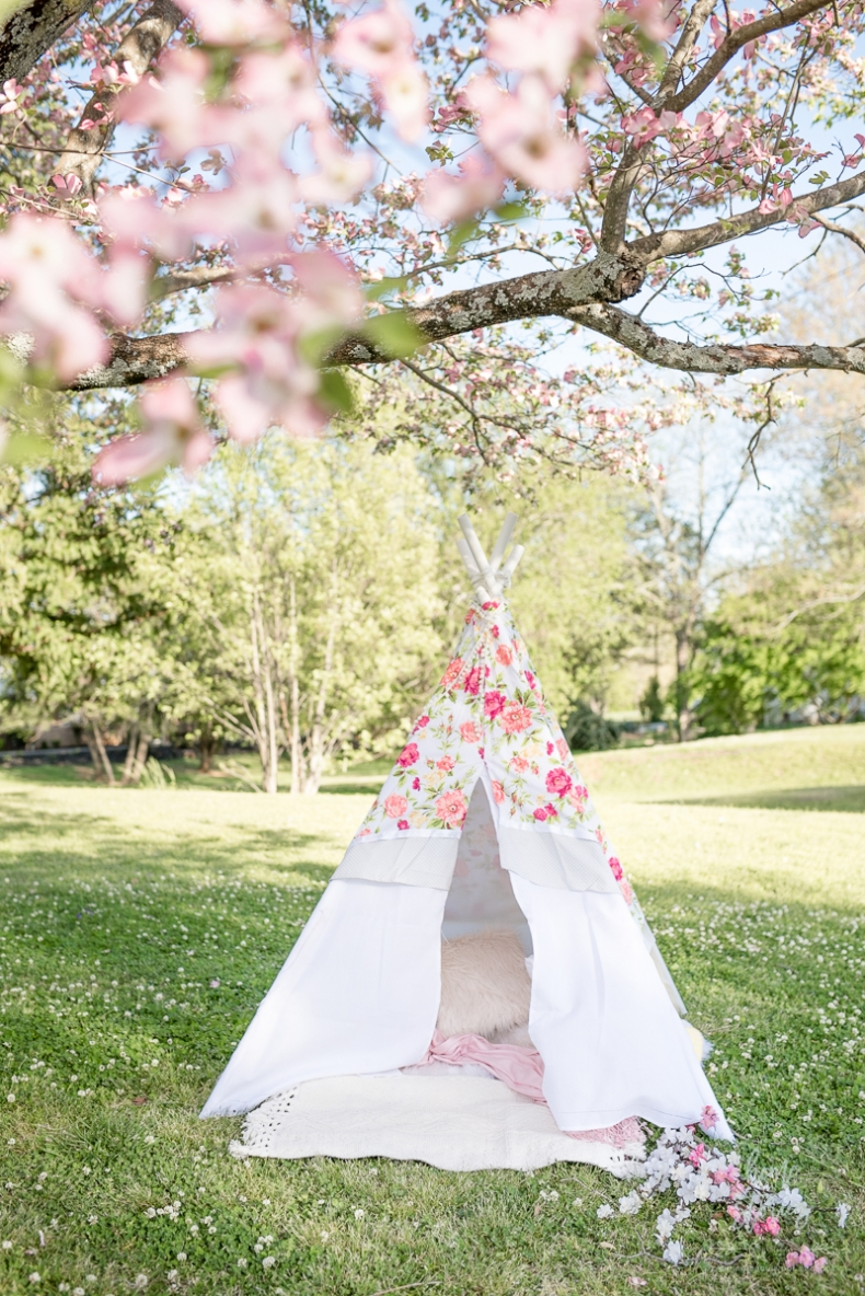 Sweet and Simple Spring Projects - DIY No Sew Teepee by Home Stories A to Z