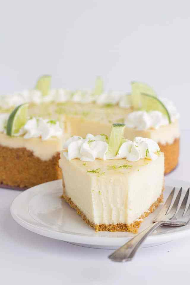 Cheesecake Recipes - Key Lime Cheesecake by Cookie Dough and Oven Mit