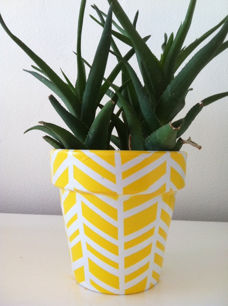 Unique Container Garden Ideas for your Porch or Patio - Herringbone Vase by Sparkle Living Blog