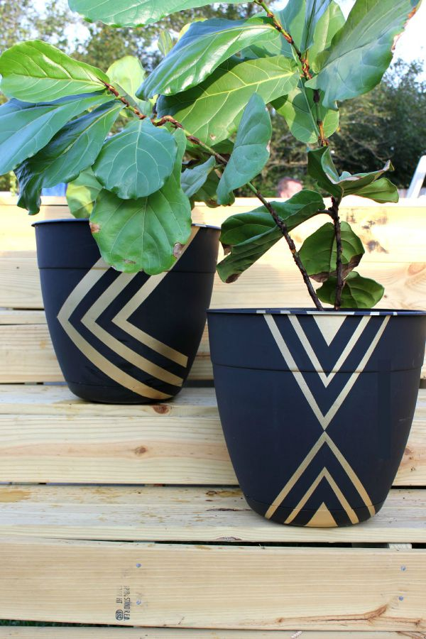 Unique Container Garden Ideas for your Porch or Patio - Painted Planter Pots by Rain on a Tin Roof