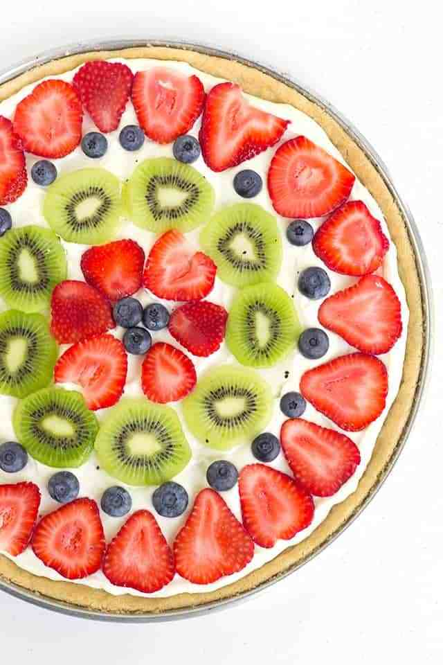 80+ Best Summer Recipes - Easy Fruit Pizza by Cookie Dough and Oven Mit