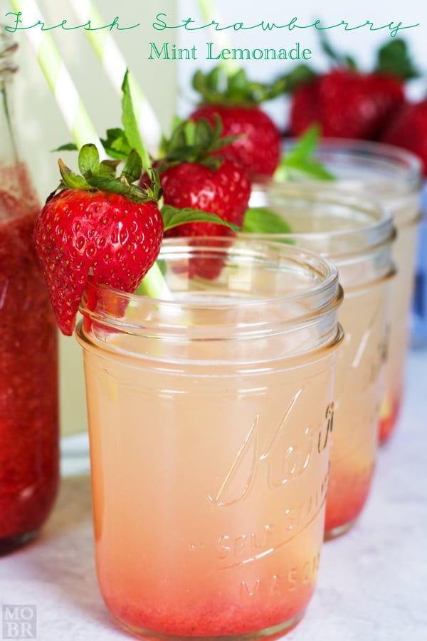 80+ Best Summer Recipes - Fresh Strawberry Mint Lemonade by Embellishmints