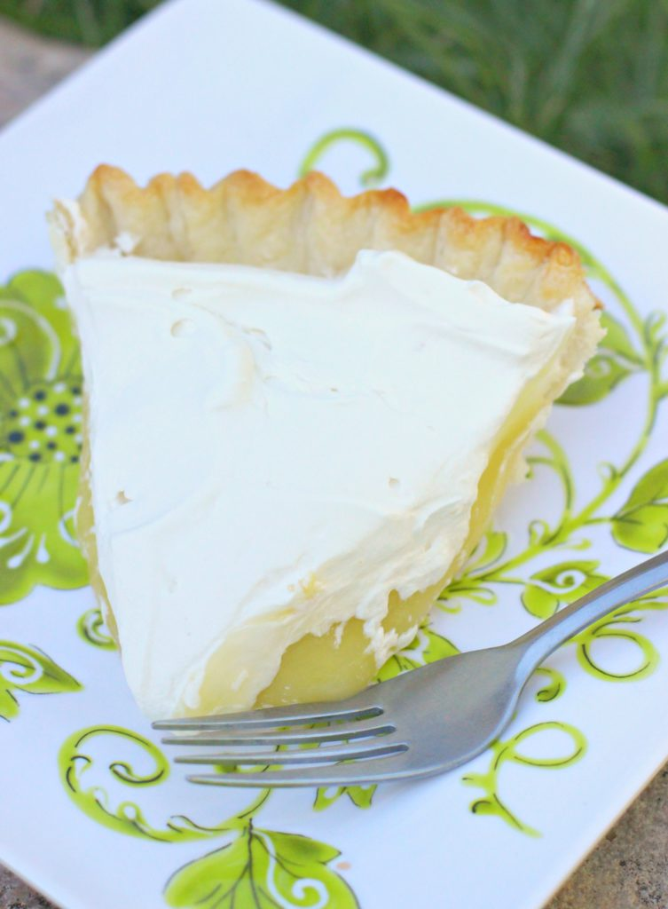 Best Summer Pie Recipes - Lemon Cream Pie by I Dig Pinterest