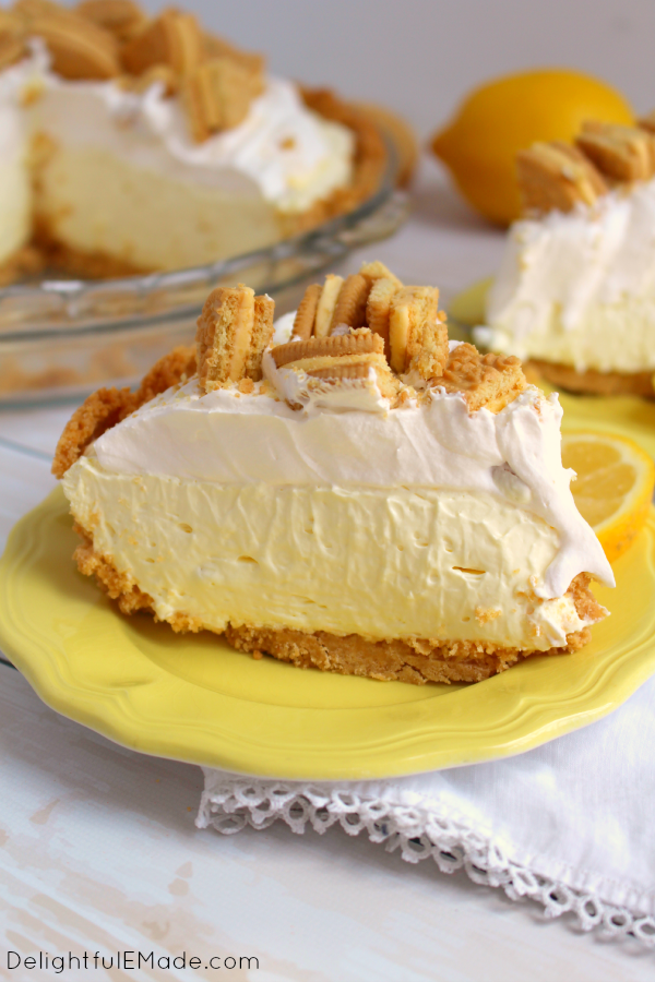 Best Summer Pie Recipes - Lemon Oreo Icebox Pie by Delightful E Made