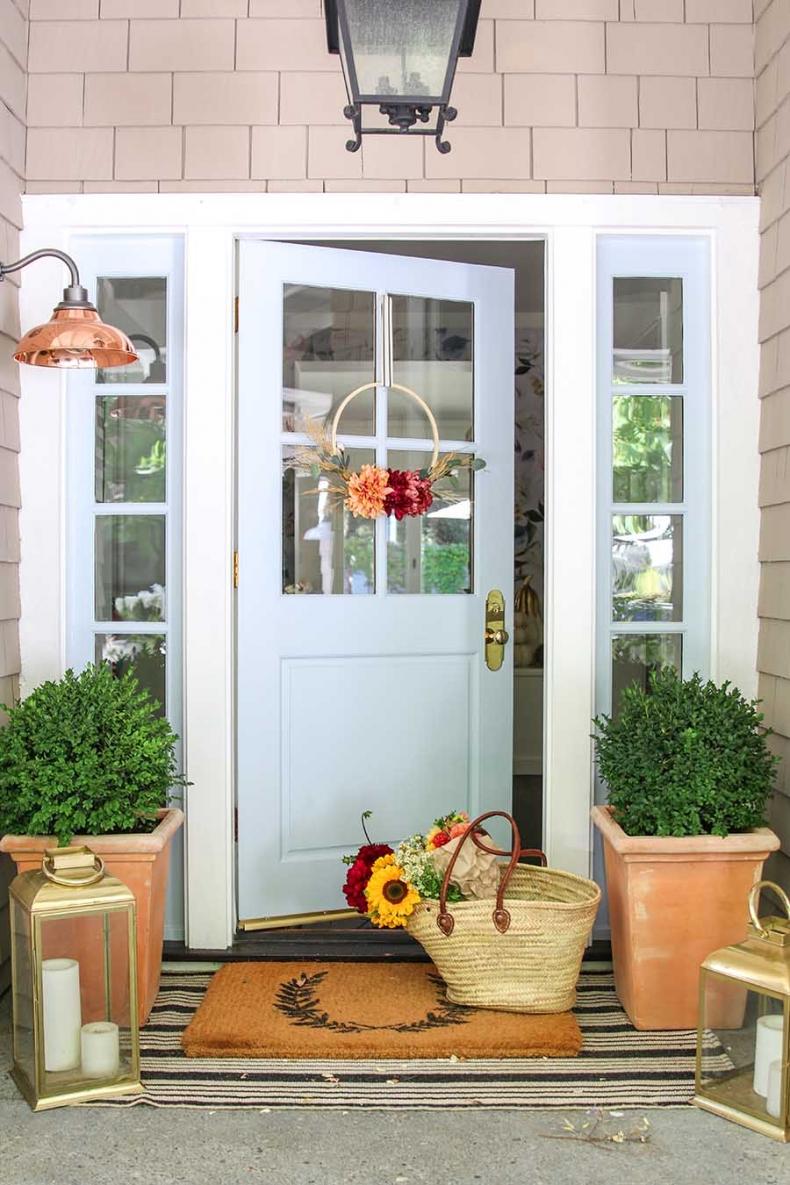 Traditional Fall Porch Decor Ideas - Fall Hoop Wreath DIY Project by Modern Glam
