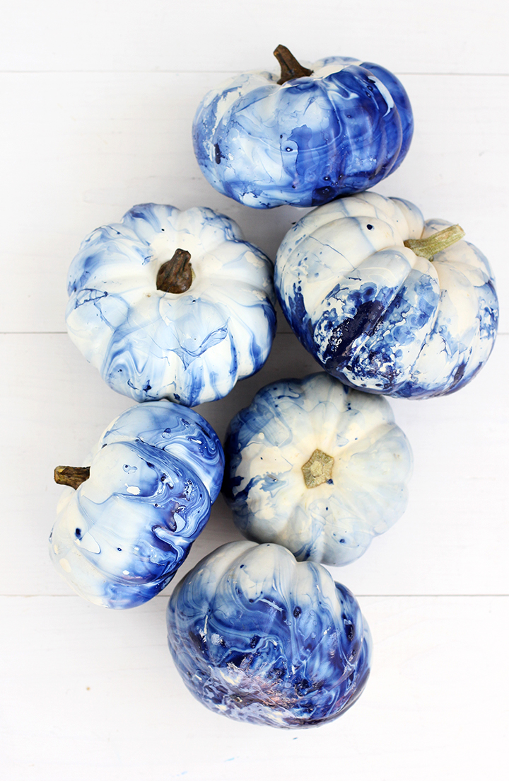 DIY Pumpkin Painting Ideas - Marbled Indigo Pumpkins by Alice & Lois