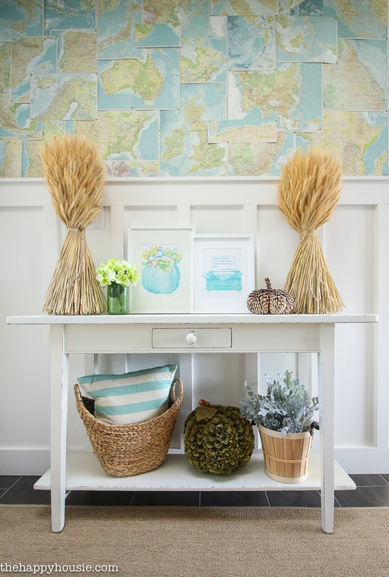 Fall Mudroom and Entryway Ideas - Coastal Fall Entyrway by The Happy Housie