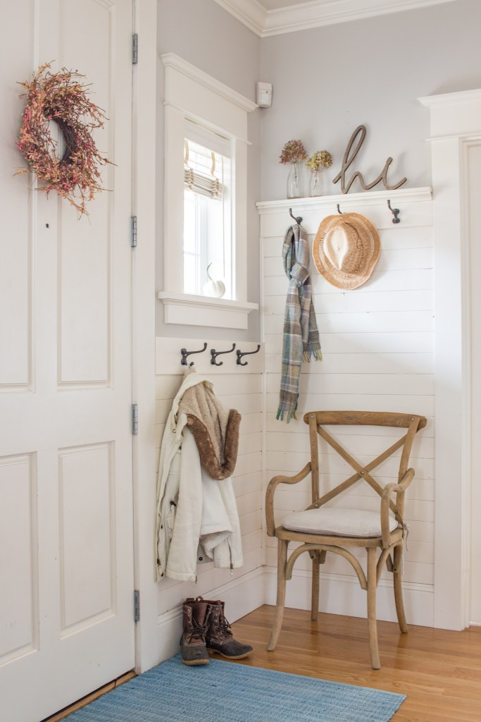 Fall Mudroom and Entryway Ideas - Fall Entryway by Saw Nail and Paint