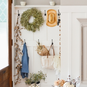 Fall Mudroom and Entryway Ideas - How to Decorate a Mudroom or Entryway for Fall