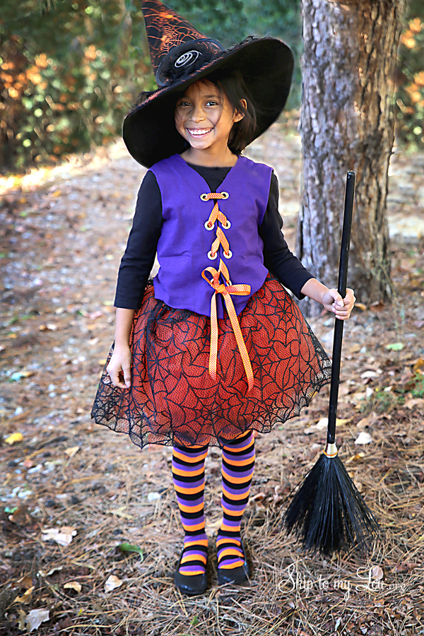 Halloween Costume Ideas - No-Sew Witch Costume by Skip to My Lou
