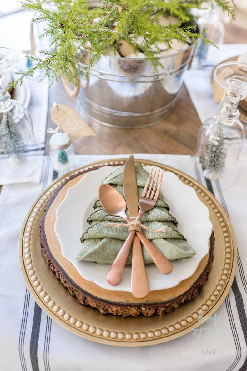 Beautiful and Easy Christmas Decor Ideas - Make Christmas Tree Napkins by Home Stories A to Z