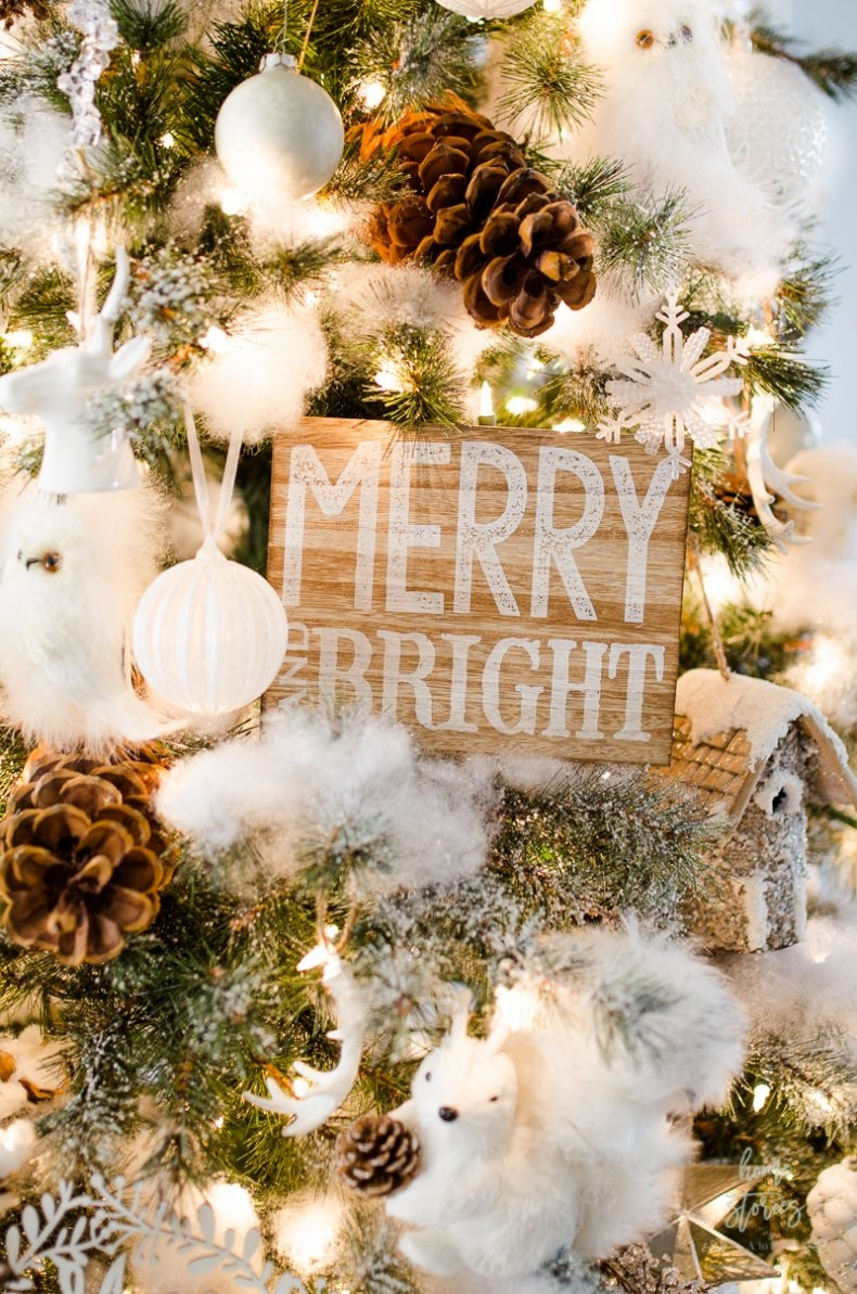 Beautiful and Easy Christmas Decor Ideas - Use Poly-Fill to Flock Your Christmas Tree by Home Stories A to Z