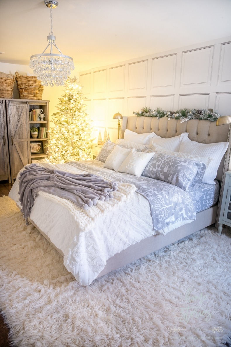 Beautiful and Easy Christmas Decor Ideas - Woodland Christmas Bedroom by Home Stories A to Z