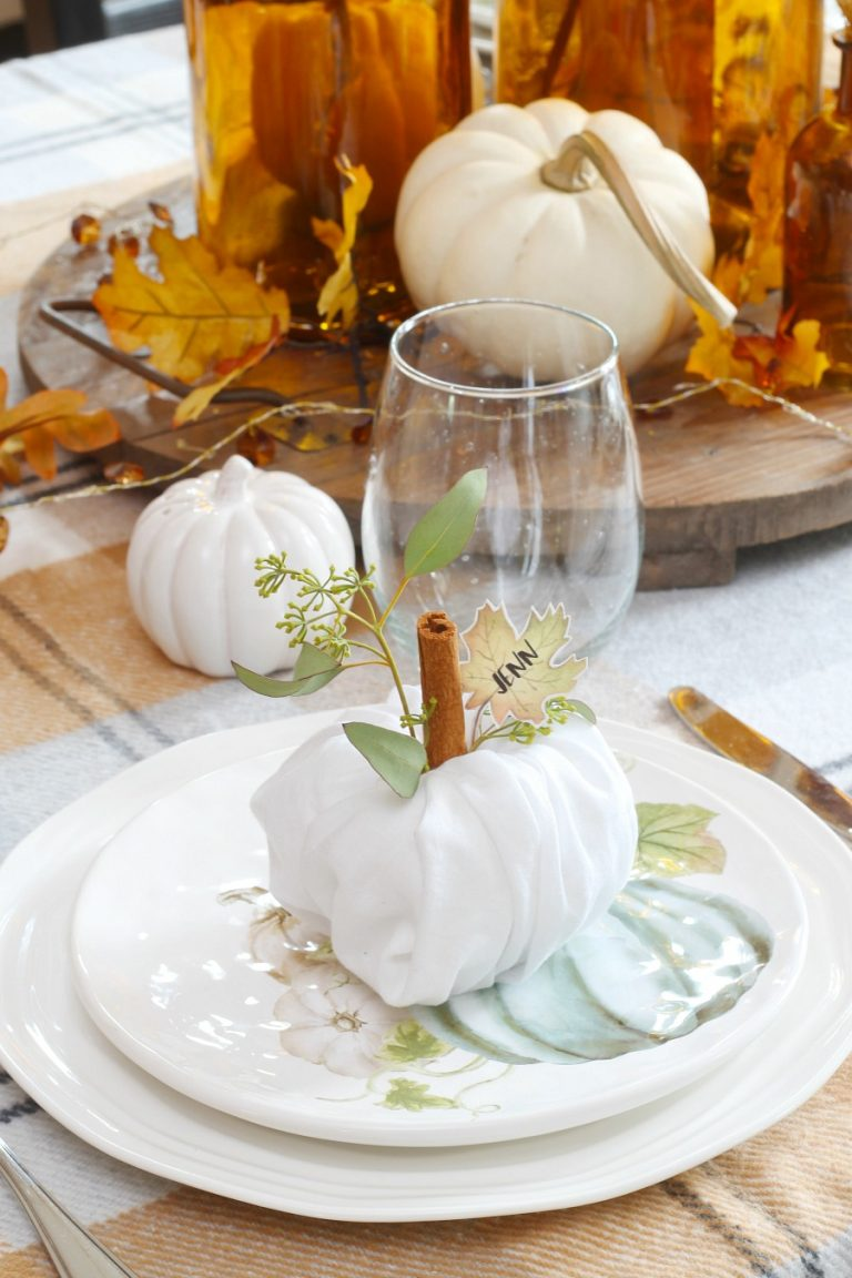 Thanksgiving Place Setting Ideas - Pumpkin Napkin Hack with Leaf Printable by Clean & Scentsible