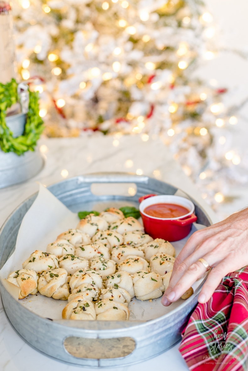 100+ Appetizer Ideas - Christmas Tree Pull Apart Garlic Knots by Home Stories A to Z
