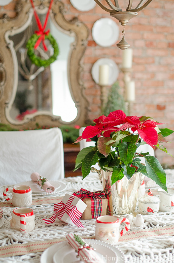 Christmas Centerpiece Ideas - Christmas Poinsettia Centerpiece by Home Stories A to Z